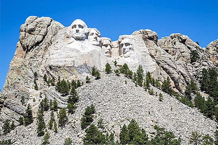 Poblíž Mount Rushmore: Best Areas & Hotels, 2018